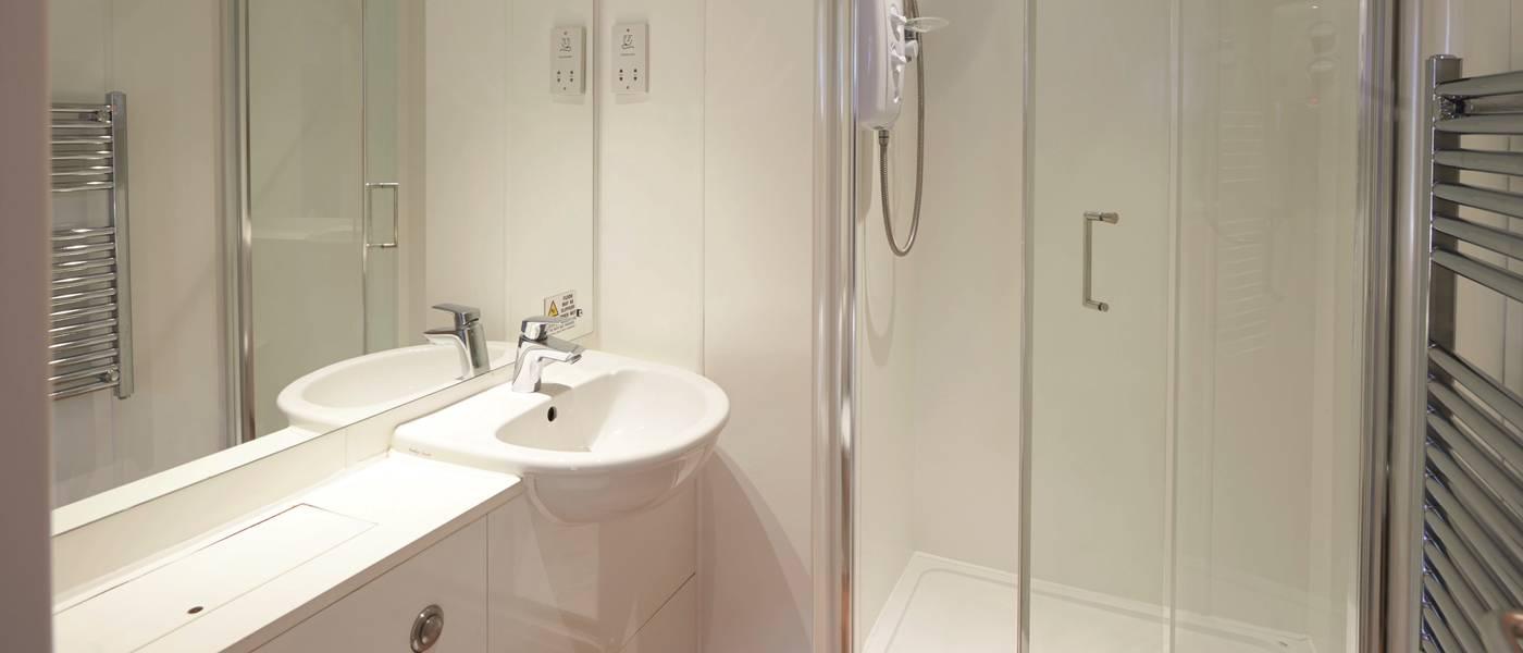 15148 New Style Silver Apartment MH Bathroom.jpg