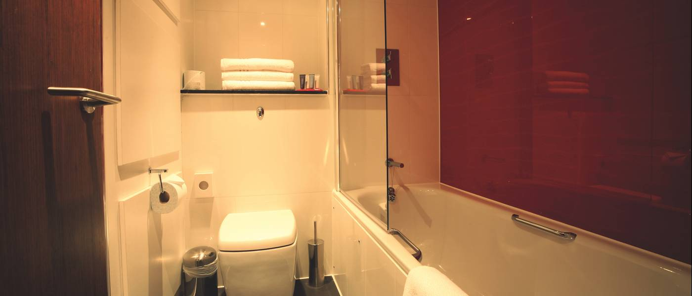 11390 Ocean BG Bathroom.jpg