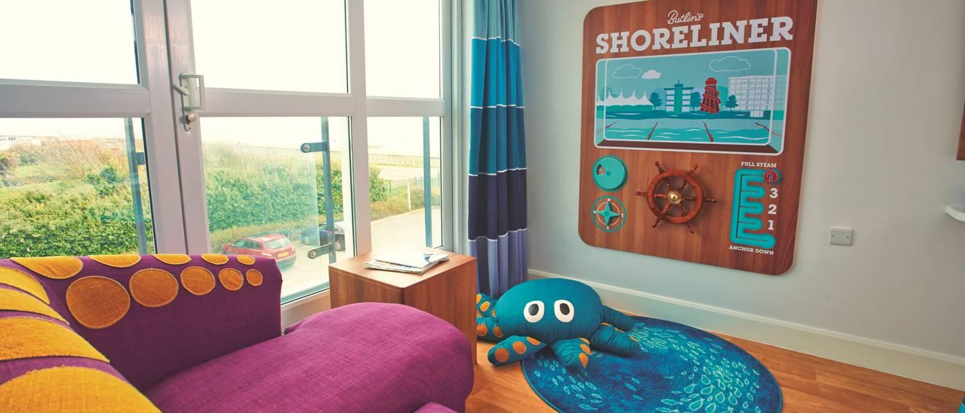 14203 Shoreline BG Living Space.jpg