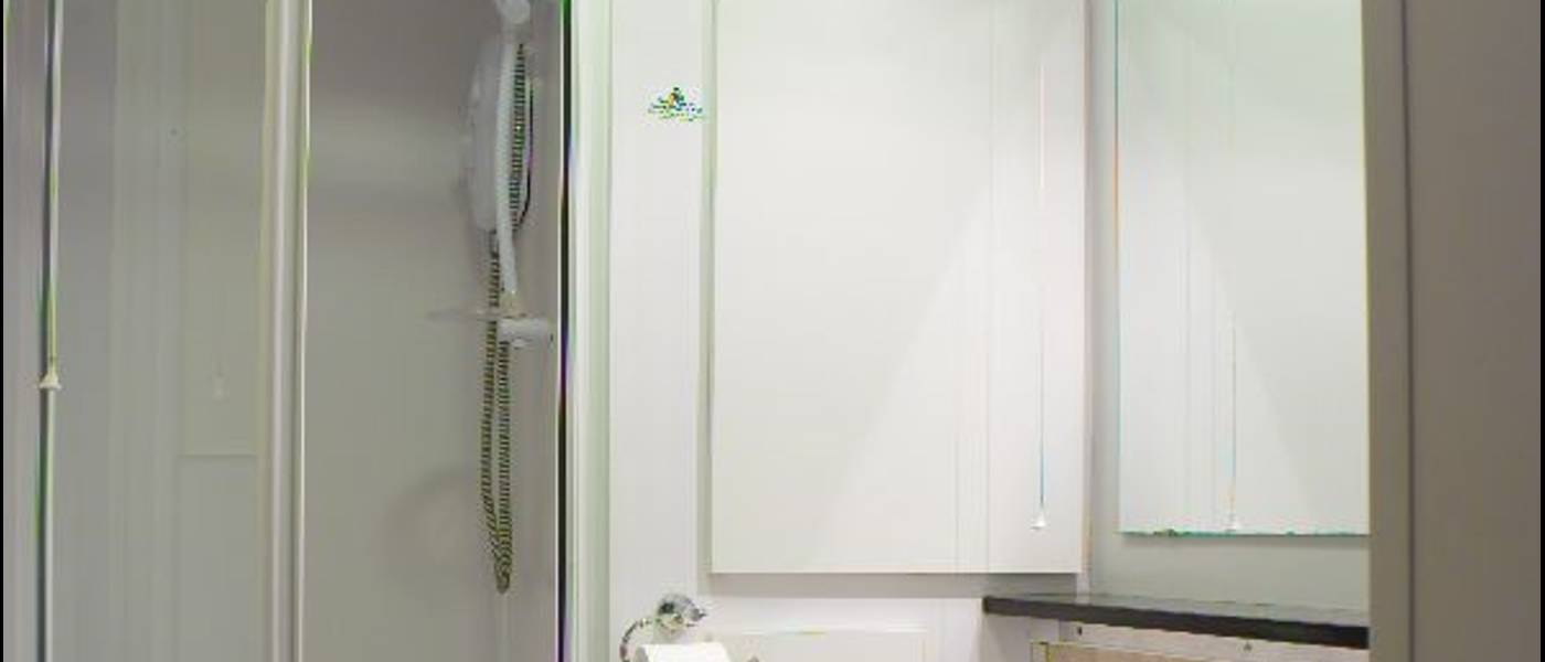11818 Silver Apartment BG Bathroom.jpg