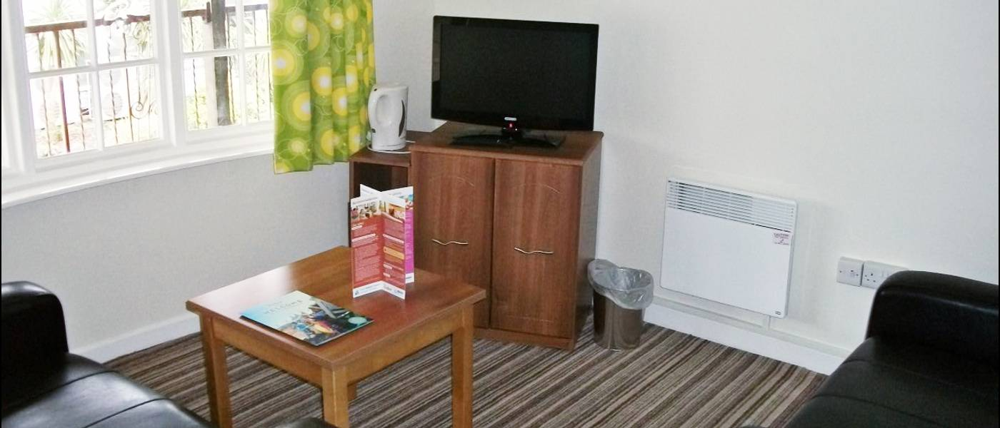 12509 Silver Suite MH Lounge.jpg