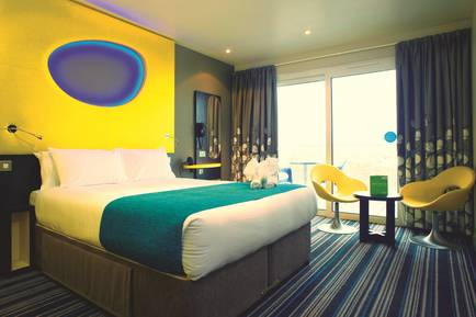 11445 Wave Hotel BG Double.jpg