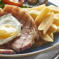 15786 The Beachcomber Inn Food Imagery (gammon).jpg