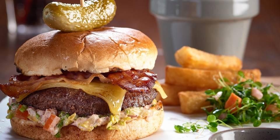 15702 Pub & KItchen Food Imagery (burger).jpg