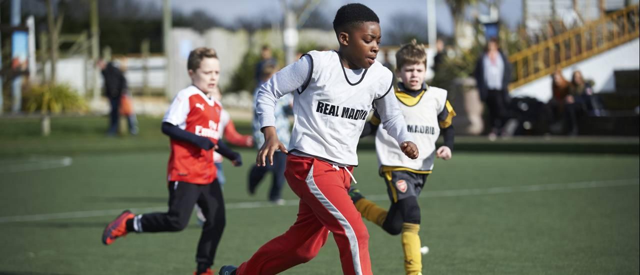 15008 Teen Football.jpg