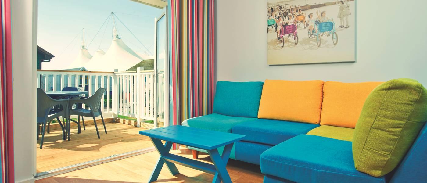 14379 Seaside Sk Lounge Jpg