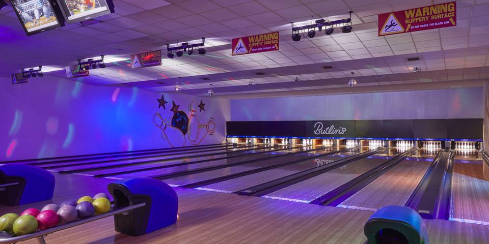 15855 Bowling HR.jpg