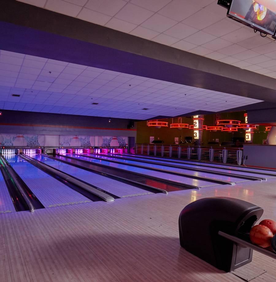 15795 Bowling HR.jpg