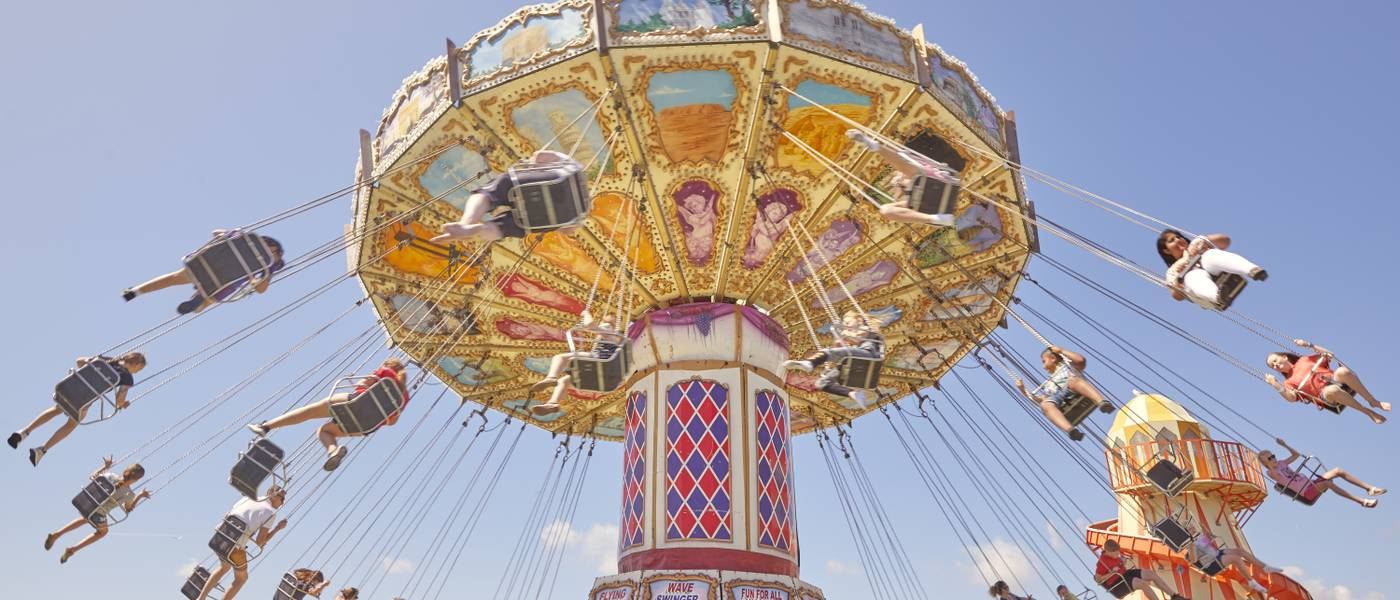 15811 Fairground BG HR.jpg