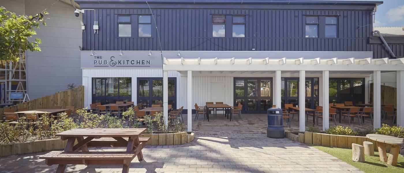 15805 Pub & Kitchen BG Exterior HR.jpg