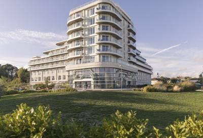 {16030} Wave hotel Bognor Regis exterior.jpg