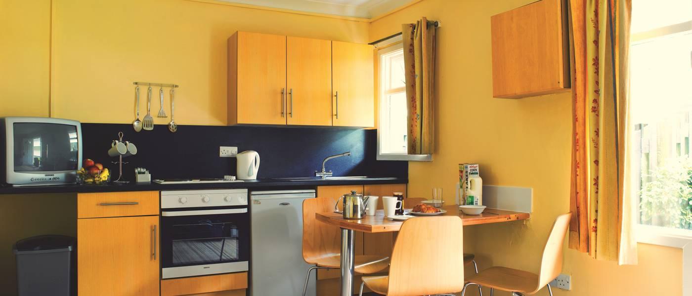 {11377} Standard apartment kitchen.jpg