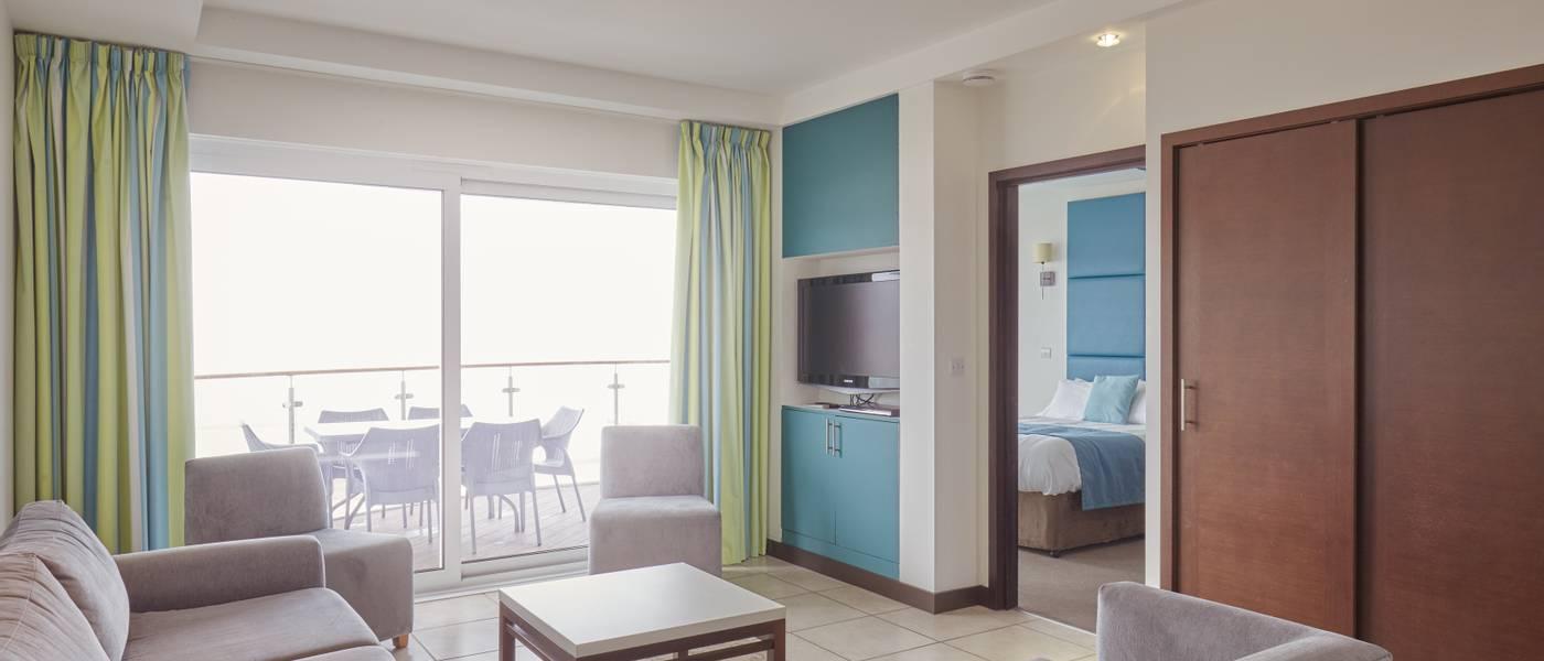 {16011} Bayside Apartment Minehead lounge.jpg