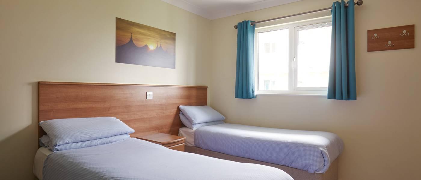 {16019} Silver room skegness twin bedroom.jpg
