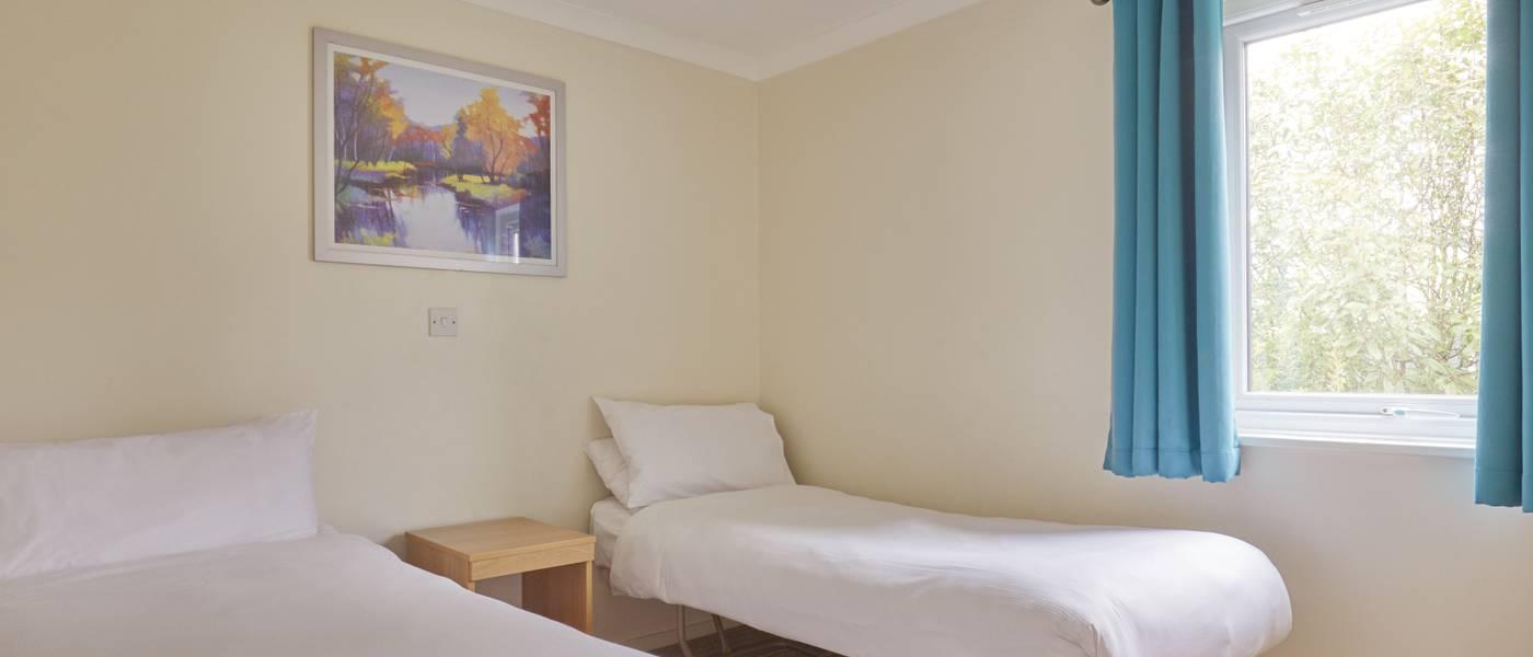 {16022} Skegness standard apartment twin bedroom.jpg