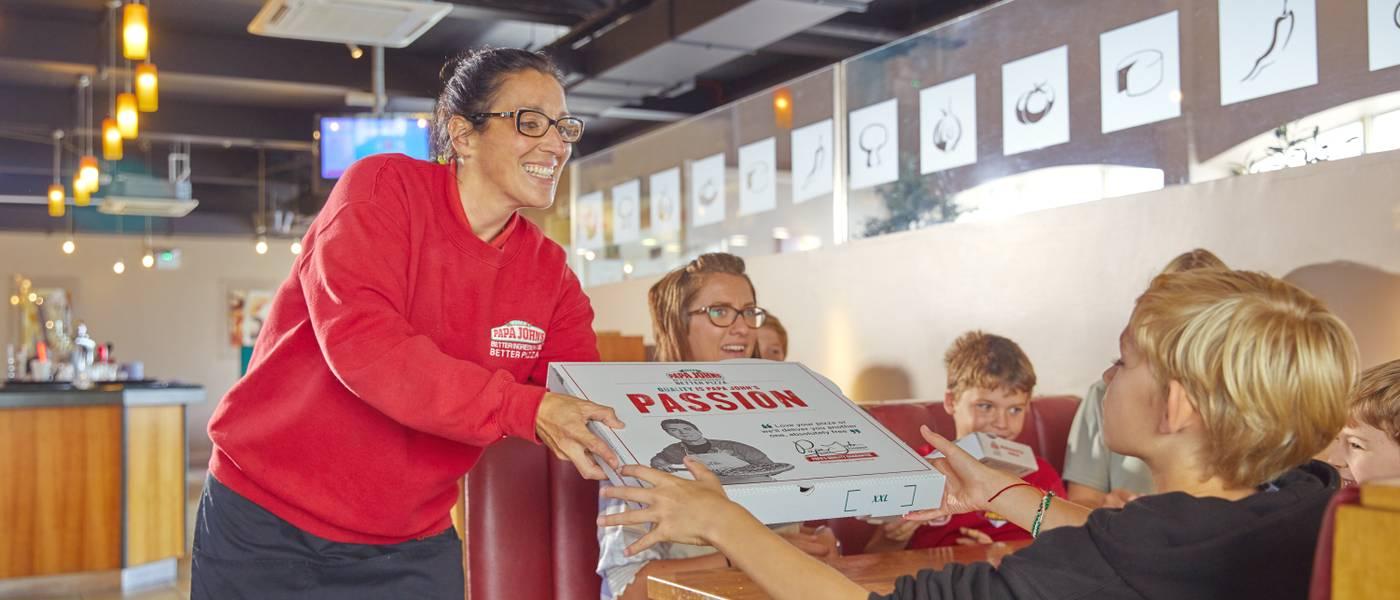 {16055} Papa Johns Bonor Regis takeaway pizza.jpg