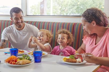 {16064} Family dining.jpg