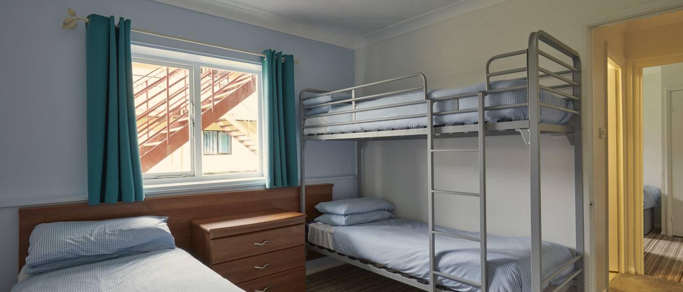 {16089} Minehead standard apartment bunk beds and single.jpg