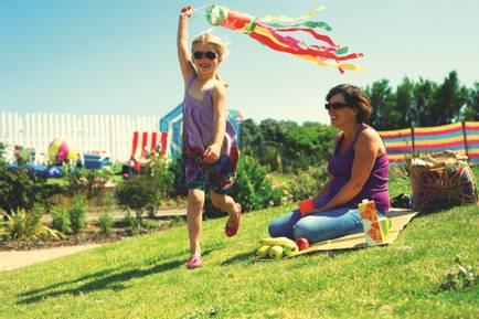11474 Girl with kite.jpg