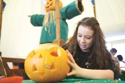 15578 Pumpkin Carving.jpg