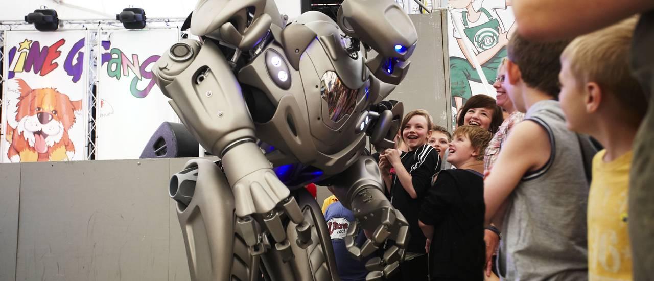 16356 Titan the Robot.jpg