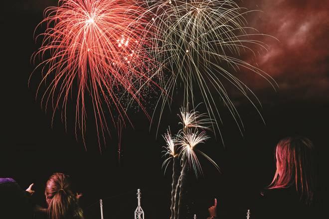 Butlins-Festive-breaks-fireworks-show-12523.jpg