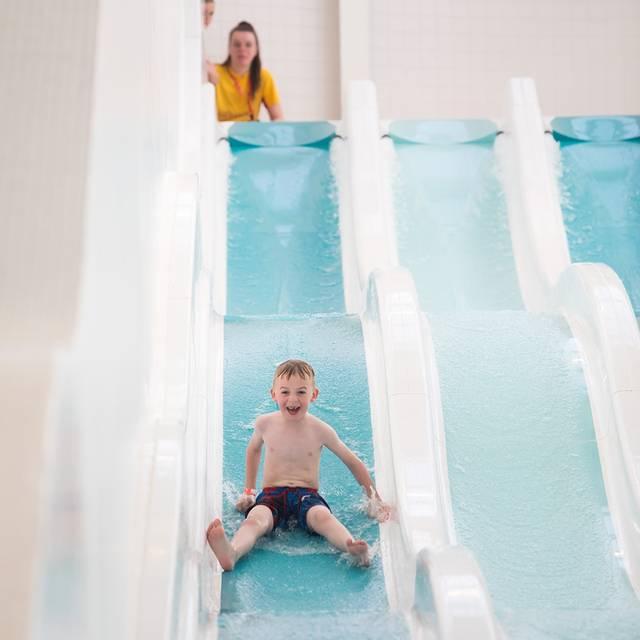 Butlins-Bognor-Regis-Pool-Racer-Slides.JPG