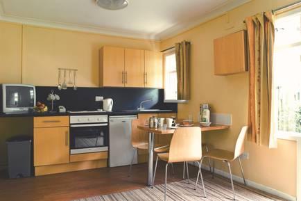 Butlins-Bognor-Regis-Standard-Apartment-Kitchen-11377.jpg
