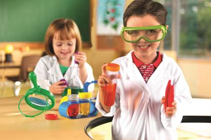 Butlins-Tots-Science-Lab-in-association-with-Learning-Resources-no-logo.jpg