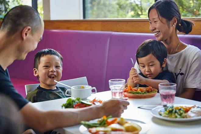 Butlins-dining-premium.jpg