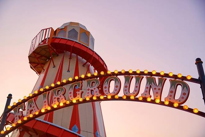 Butlins-fairground-sign.jpg