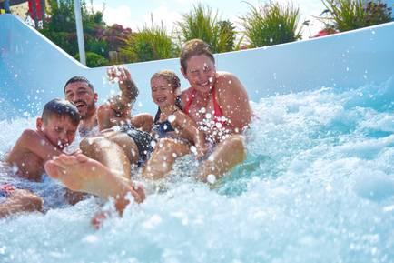 Butlins-pool-outdoor.jpg