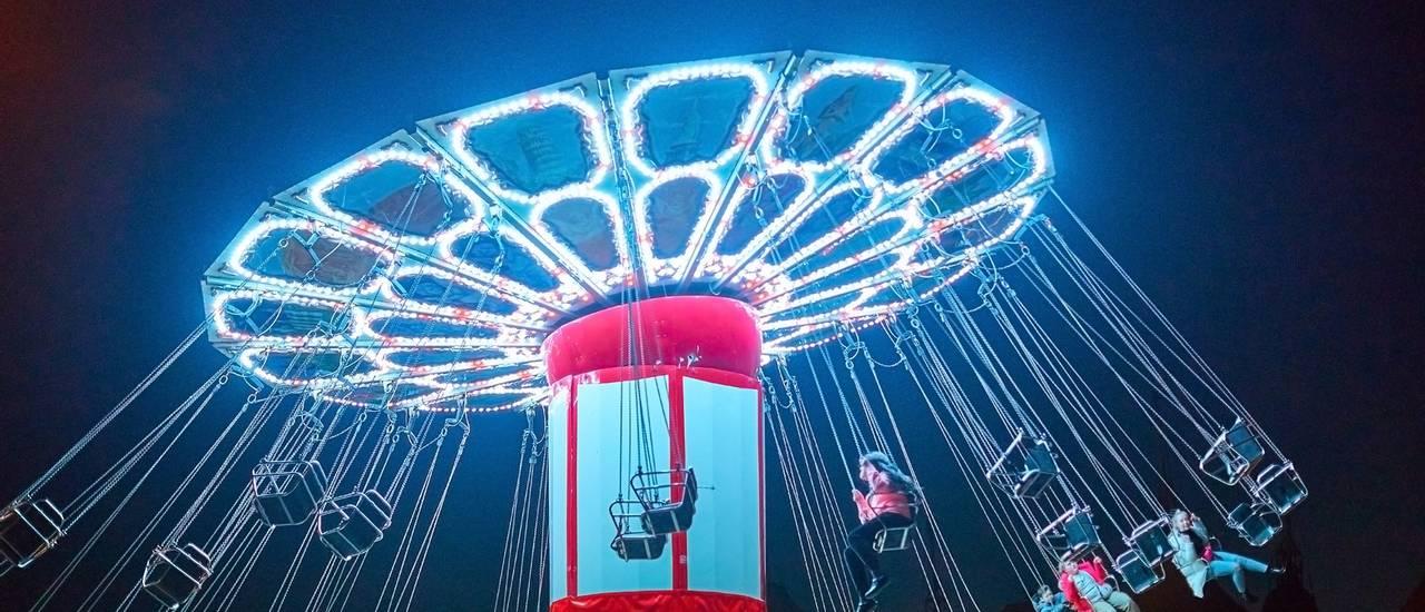 Butlins-fairground-night-hi-res.jpg